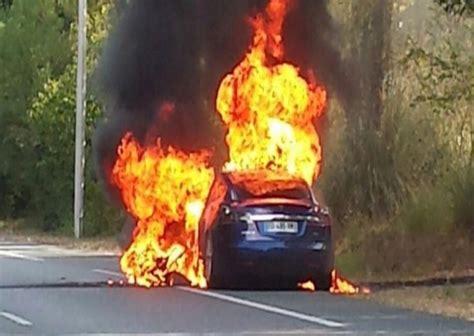 Get Tesla Car Battery Fire Background