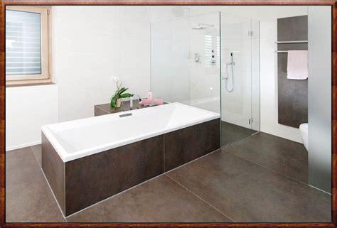 Badezimmer Fliesen by Braune Fliesen Badezimmer Zusammen Mit Charmant Designs