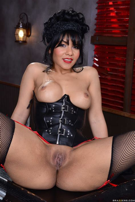 Latina Gets Her Cunt Filled In A Bar Photos Rose Monroe