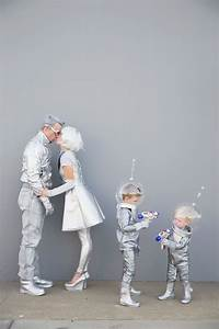 diy space family costumes tell and