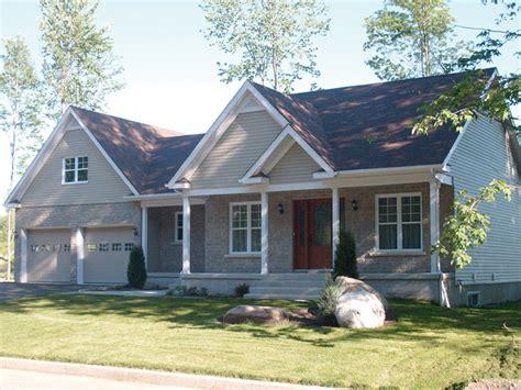 ranch style house plans  breezeway
