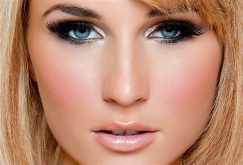 Makeup for green eyes   tips and tricks   Yve Style