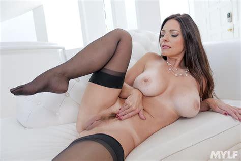 Milf Mindi Mink With Beautiful Big Tits Masturbates In