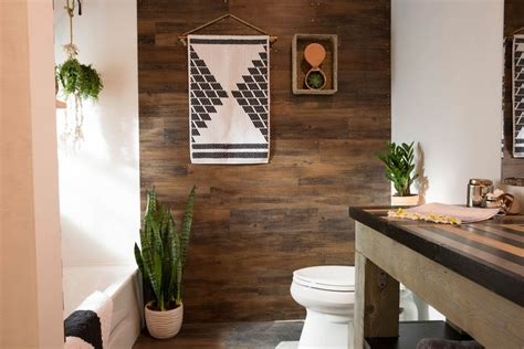 Small bathroom diy remodel with space saving solutions with shelves and baskets and hooks; 21 Small Bathroom Decorating Ideas