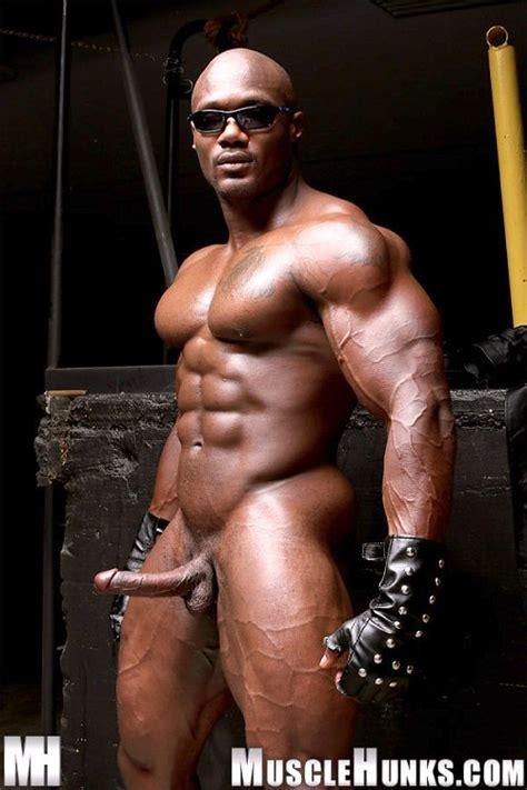 Mibali Afrika Black Muscles Leon Jackson