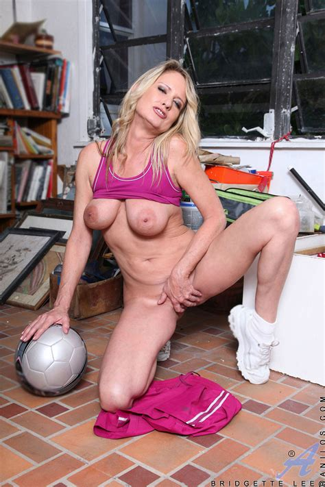 Hot Soccer Mom Bridgette Lee Shows Off Her Big Tits And