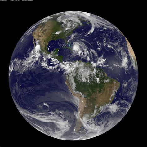 Full Disk Image of Earth Captured August 24, 2011 | NASA ...