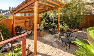 Holz Im Garten : garten pergola eine idylle im freien ~ Frokenaadalensverden.com Haus und Dekorationen