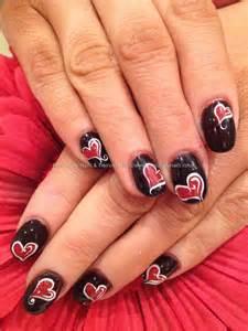 Love heart gel freehand nail art nailart nails technician