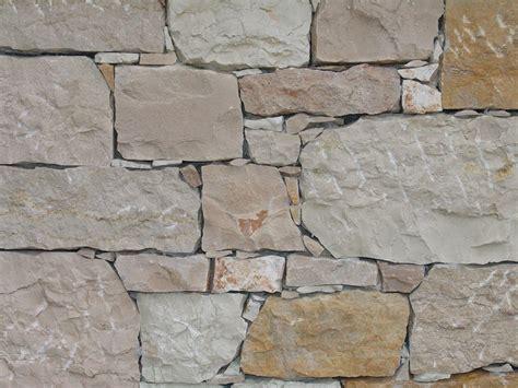 Pietre Da Muro Interno by Piastrelle Di Pietra Per Muri Con Pareti Di Pietra Per