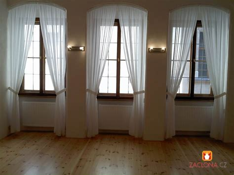 Fenster Mit Gardinen by Hohe Und Schmale Fenster Im Palast Heimtex Ideen