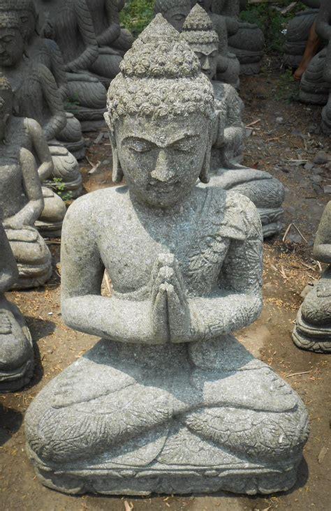 statue jardin zen bouddha assis en pierre naturelle en