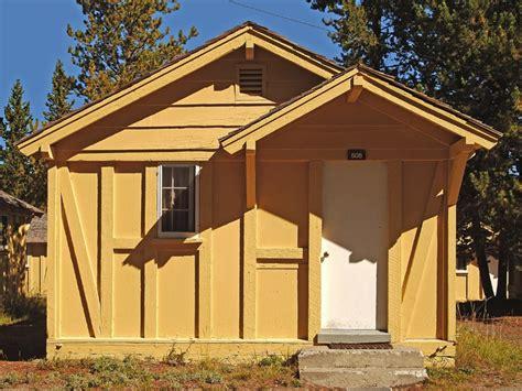 lake yellowstone hotel and cabins yellowstone national park wy lake yellowstone hotel cabins 01