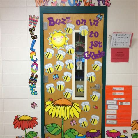 buzz     grade door decoration idea