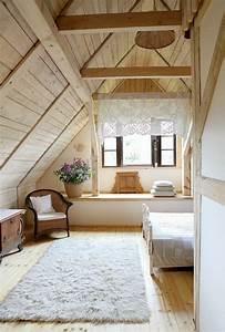 die besten 17 ideen zu dachgeschoss schlafzimmer auf With balkon teppich mit holz tapete schlafzimmer