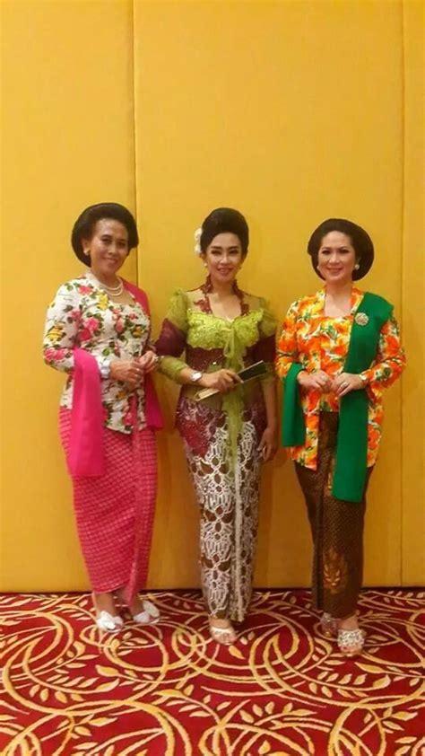 kebaya jawa klasik  moderen kebaya  batik model