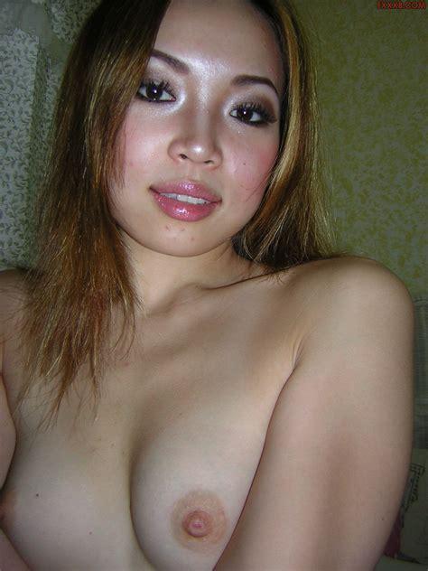 Anna Sexy Korean Babe Loves Blowjobbing Her Bf Nude