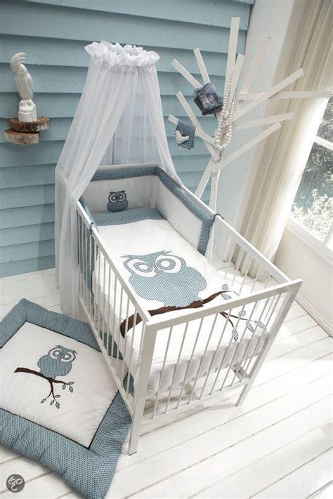 Une Chambre De Bébé Bleue Et Grise