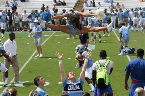 north carolina cheerleaders  ready  basketball