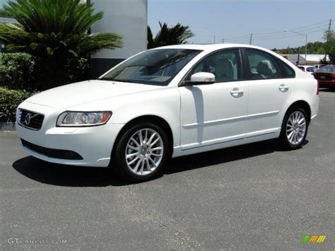 2011 Volvo S40 T5 by White 2011 Volvo S40 T5 Exterior Photo 50072353
