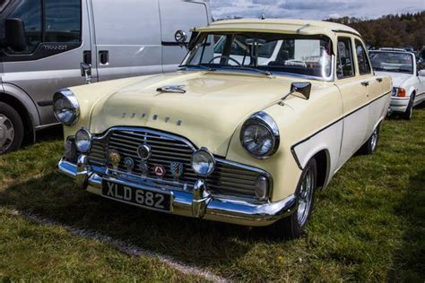 Over 1,300 Classic Ford Cars Gather For Simply Ford Rally