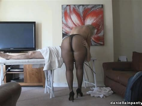 Pantyhose Massage Big Ass Woman In Tights Free Porn