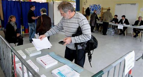 bureau de vote 14 en images un tour dans les bureaux de vote à bayonne
