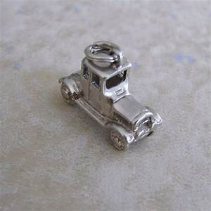 Charmes Automobile : old fashioned car automobile silver plate bracelet charm bracelets vintage silver and fashion ~ Gottalentnigeria.com Avis de Voitures