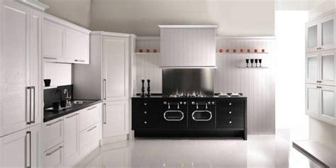 cuisine avec piano cuisine moderne avec piano de cuisson cuisine nous