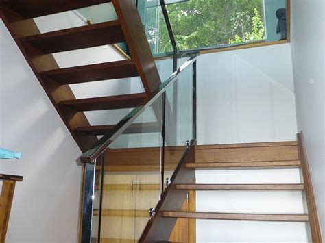 Balustrade Glass Cairns   Modern Glass and Aluminium Fencing
