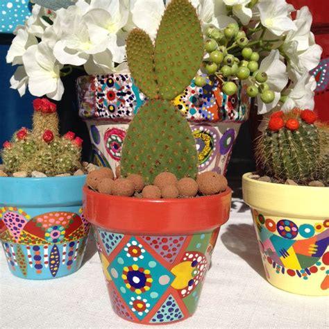 peindre pot de fleur les 25 meilleures id 233 es de la cat 233 gorie pots de fleurs peints sur pots de fleurs