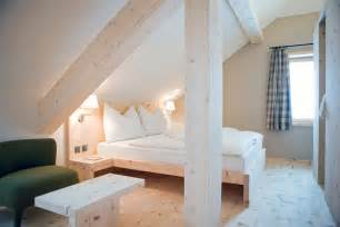 jugendzimmer le bedroom inspiration in simple attic bedrooms design with narrow space for placing new