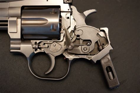 gun review  wesson  revolver thetruthaboutguns