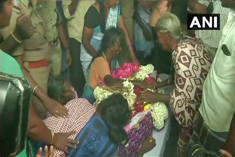 Tamil Nadu: 2-Year-Old Trapped For 3 Days In Borewell Dies ...