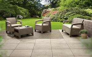 Kombinierte holz stein terrasse mit hornbach for Terrasse stein und holz