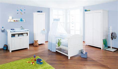 chambre bébé pinolino concevoir la chambre de bébé avec un petit budget