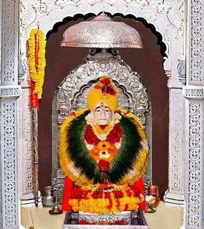 It is said that he was the awatara of samarth ramdasa of sajjangarh. News: अवलिया संत.. श्री गजानन महाराज - Shri Gajanan ...