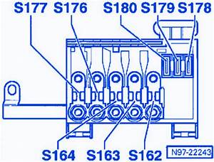Volkswagen Touareg V8 2003 Accu Fuse Box  Block Circuit Breaker Diagram  U00bb Carfusebox