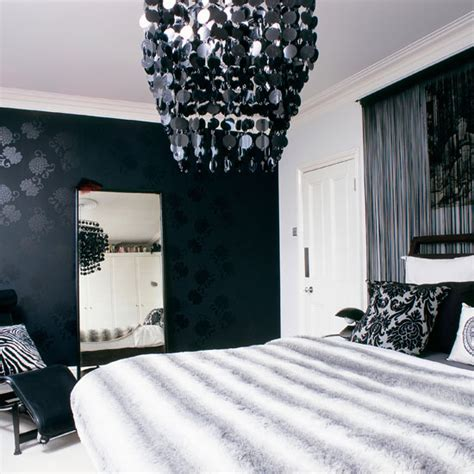 lunchtime lust black and white bedrooms room envy