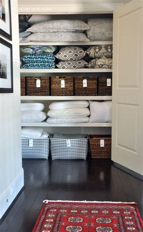 Open Closet Organization Ideas by 20 Beautifully Organized Linen Closets The Happy Housie