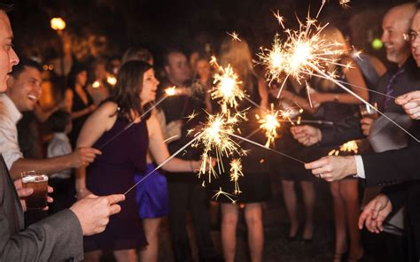 Wedding Sparklers Usa All Weddings Should Sparkle