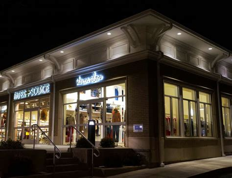 steven alan clothing store opens   downtown building