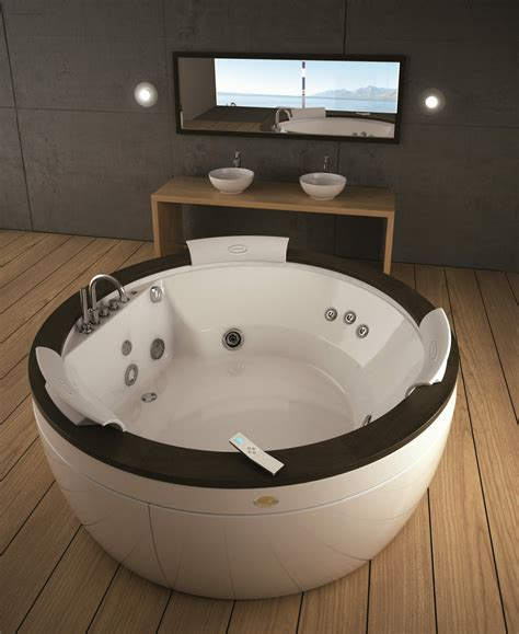jacuzzi bath  whirlpool bath display showroom