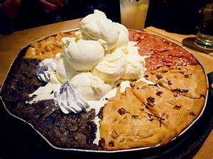 Book Report Sandwich Cookie Combined Dessert Pizzas Pizookie