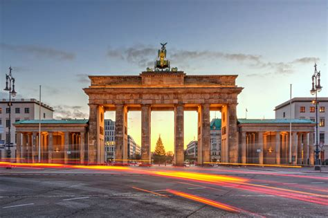 brandenburg gate west berlin germany sumfinity photography by nico trinkhaus