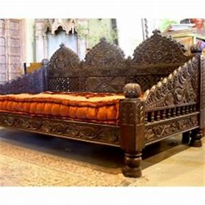 Image gallery moroccan style sofa for Moroccan sofa bed