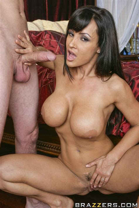 Spectacular Minx Lisa Ann Playing With Big Tits And