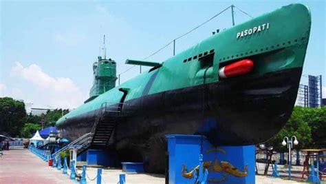 Lalu, saya diberi sertifikat awak kapal selam yang digambar dengan tangan. Tempat Wisata yang Ada di Sekitar Venue Piala Dunia U-20 ...