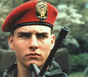 Hot Wallpaper: Tom Cruise Taps Movie.