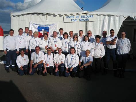 le bureau croix blanche les secouristes français croix blanche sont à brest 2008